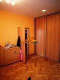 Trojizbový byt v uzavretom dvore s garážou a záhradou v Topoľčanoch.