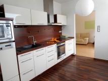 Predaj, veľký trojizbový byt s modernou rekonštrukciou, Senica